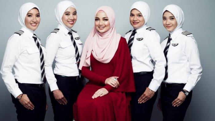 Semakin Cantik! AirAsia Siapkan Seragam Khusus untuk Pilot dan Kru Berhijab