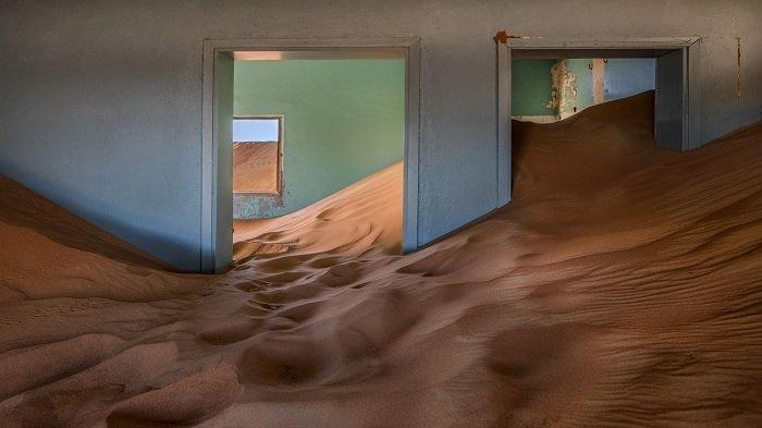 Fakta Unik Desa Paling Misterius di Dubai, Banyak Rumah yang Setengahnya Berisi Pasir