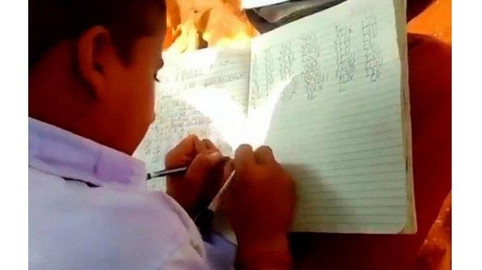 AJAIB! Semua Siswa di Sekolah Terpencil Ini Bisa Menulis dengan Dua Tangan, Ternyata Ini Rahasianya