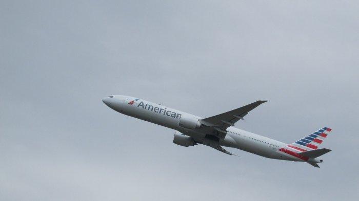 Akibat Turbulensi, Seorang Pramugari American Airlines Mengalami Cedera Serius