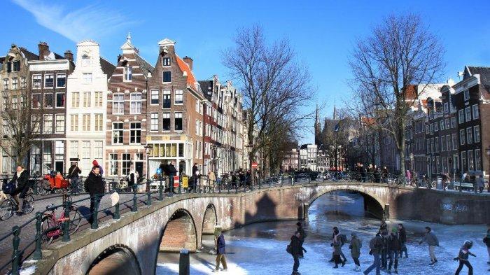 Emirates Luncurkan Tiket Promo ke Eropa dan Amerika, Terbang ke Amsterdam Mulai Rp 12 Jutaan PP