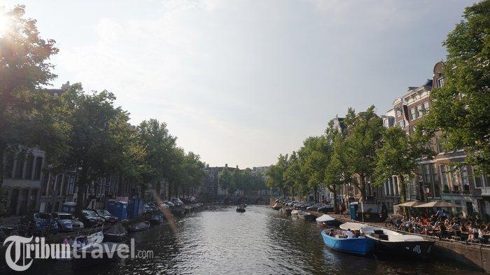 Kanal di Kota Amsterdam, Belanda.