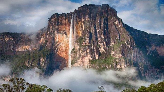 5 Air Terjun Paling Tinggi di Dunia, Ada Air Terjun Angel yang Tingginya Mencapai 979 Meter