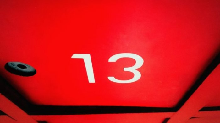 Sering 'Difitnah' Jadi Angka Pembawa Sial, Begini Asal Mula Nomor 13 yang Kerap Dikeramatkan Orang