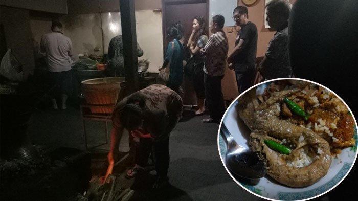 Antrian pembeli Gudeg Pawon di Jalan Janturan UH/IV No. 36, Warungboto, Umbulharjo, Warungboto, Umbulharjo, Kota Yogyakarta