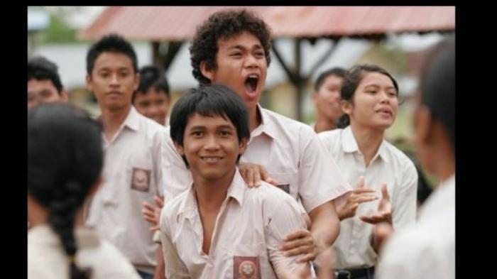 Rendy Ahmad - Unggah Foto Bareng Maudy Ayunda, Pemeran Arai di Film Sang Pemimpi Lagi Kangen?