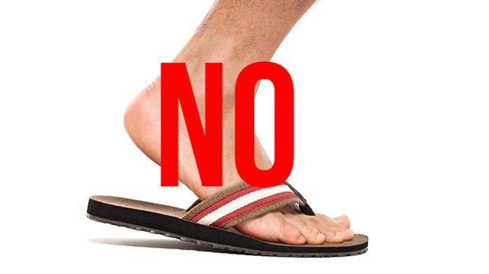 Larangan Memakai Sandal