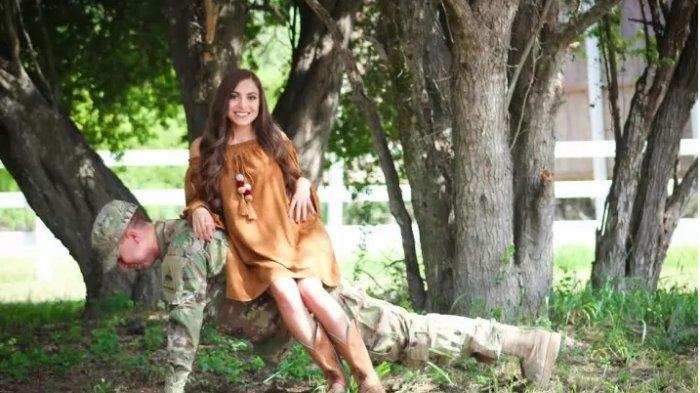 Kejanggalan Foto Pre-Wedding Pasangan Ini Bikin Bingung Netizen, Bisa Temukan?
