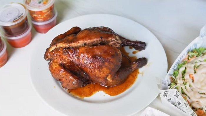 Jualan Ayam Asap Cuma di Garasi, Sehari Bisa Ludes Lebih dari 80 Ekor