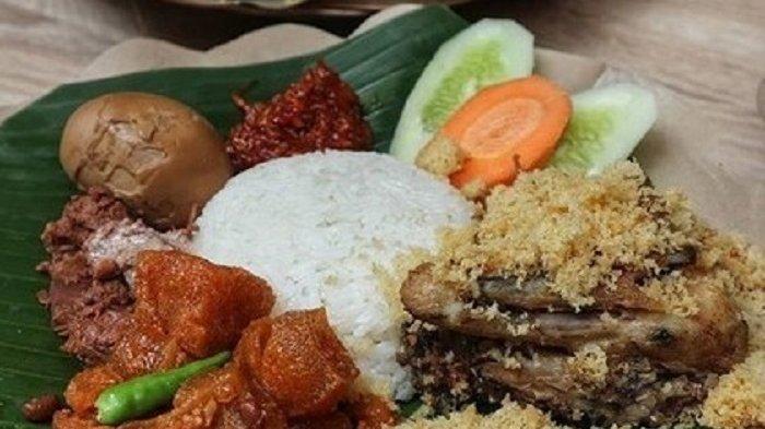 4 Tempat Makan Ayam Kremes Legendaris di Jakarta, Renyah dan Gurihnya Nagih Banget