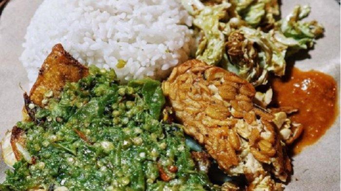 Rekomendasi 5 Kuliner Lezat di Bogor Buat Makan Siang, Wajib Coba Mantapnya Ayam Penyet Lombok Ijo