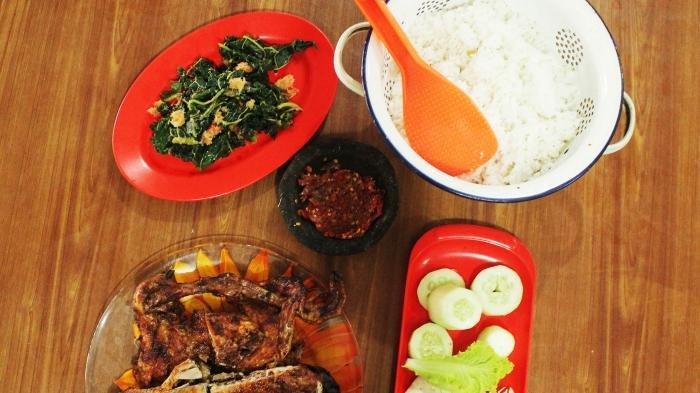 Mencicipi AyamPanggangAsliMbokTiyem, Kuliner Legendaris di Wonogiri yang Berdiri Sejak 1960