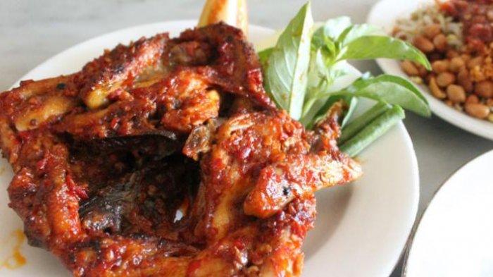 7 Kuliner Khas Lombok yang Terkenal Enak, Ada Ayam Taliwang hingga Nasi Balap Puyung