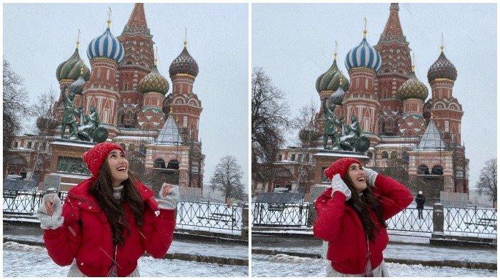 Liburan Artis - Ayu Ting Ting ke Rusia, Foto-foto di Depan Katedral St Basil yang Ikonik