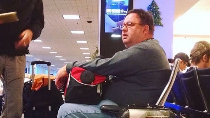 Antara Kocak tapi juga Brilian! Begini Cara Pria Ini Hindari Kehilangan Bagasi di Bandara, Mau Coba?