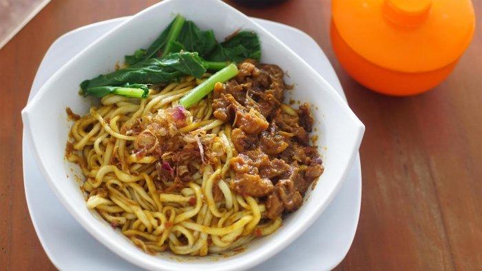 5 Kuliner Malam di Jakarta Barat yang Wajib Dicoba, Ada Kwetiaw Sapi hingga Bakmi Karet