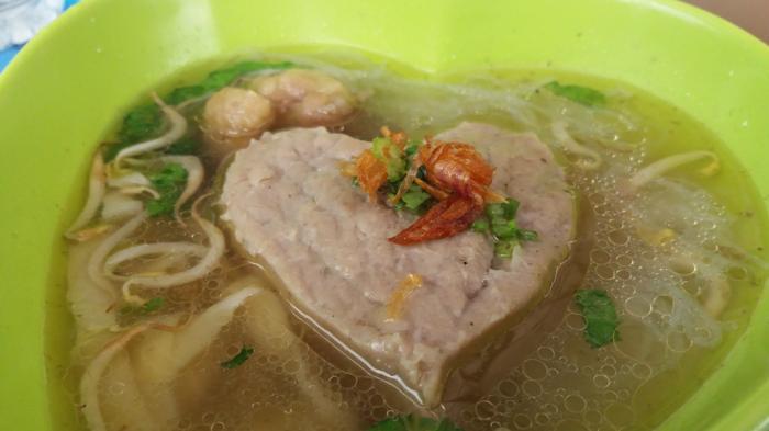 Kuliner Bandar Lampung Lucunya Bentuk Bakso Ini Hati Hati Ada Kejutan Di Dalamnya