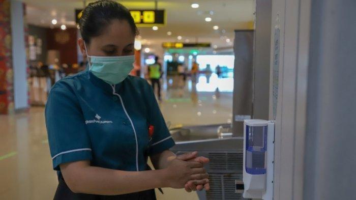 Bandara Ngurah Rai menyediakan hand sanitizer di wilayah airport