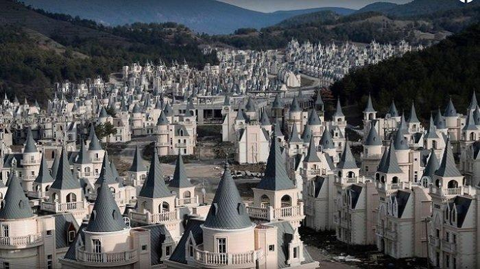 Burj Al Babas, Desa Istana Unik di Turki yang Kini jadi Kota Hantu Termewah di Dunia