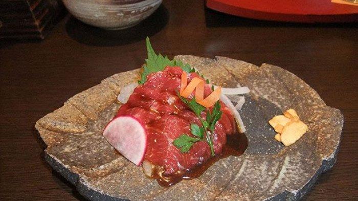 5 Kuliner Ekstrem di Jepang, Cobain Lembutnya Daging Kuda Mentah