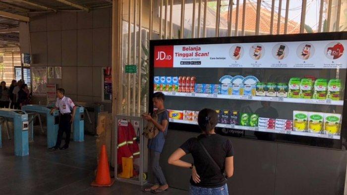 Dapat Ditemukan di 9 Stasiun, JD.ID Virtual Tawarkan Cara Belanja Praktis Hanya dengan Scan QR Code