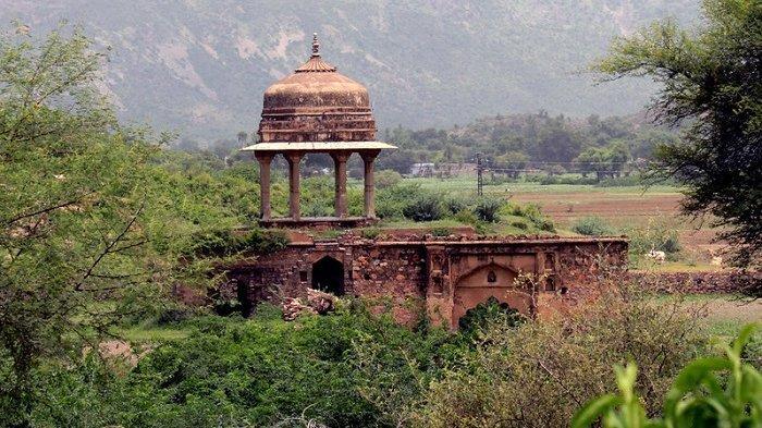 7 Tempat Paling Berhantu di Dunia, Ada Kastil Berusia 800 Tahun hingga Benteng Terbengkalai