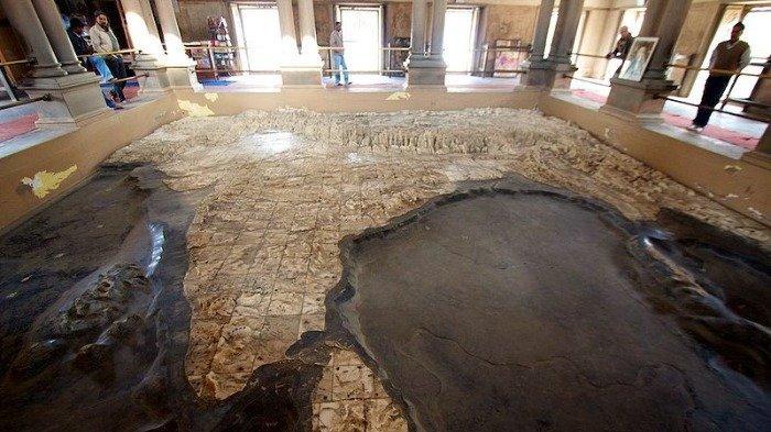 Bukan Patung Dewa atau Dewi, Kuil di India Ini Justru Berisi Peta Raksasa