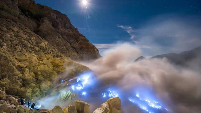Tiket Masuk Kawasan Gunung Ijen akan Dijual Secara Online Mulai Tahun 2019