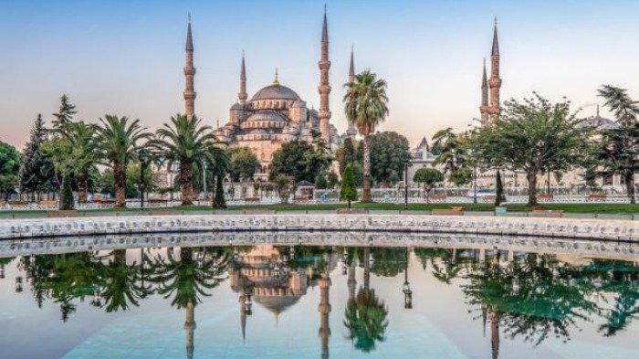 Indahnya Blue Mosque, Masjid Biru Megah di Turki yang Mirip Hagia Sophia