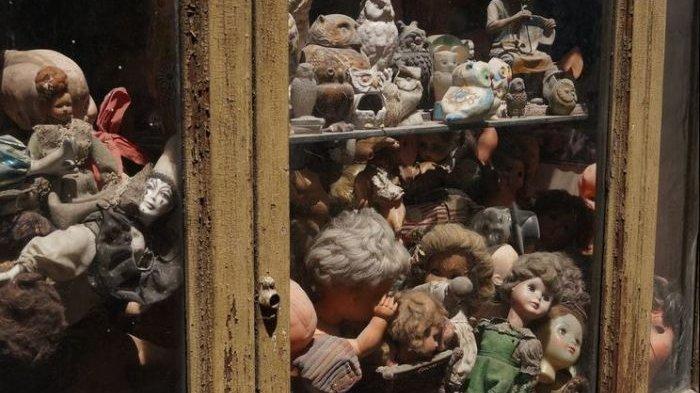 Penuh dengan Wajah Boneka Mengerikan dan Menyeramkan, Ga Nyangka! Ternyata Tempat Ini Adalah. .