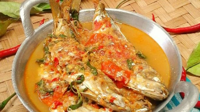 5 Ragam Olahan Seafood Khas Nusantara, Ada Sotong Pangkong hingga Brekecek