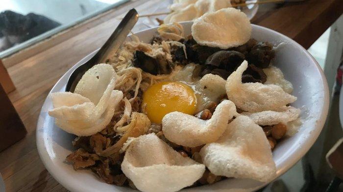 Bubur Hayam Kotabaru Jogja, Sensasi Makan Bubur dengan Aneka Toping Lezat