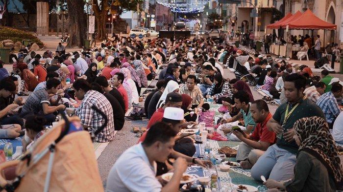 Tradisi Makan Saat Bulan Ramadan di 4 Negara di Dunia, Kurma Jadi Favorit di Arab Saudi