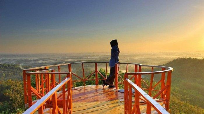 HTM Bukit Cinta Watu Prahu Klaten, Tempat Wisata Instagramable dengan Gardu Pandang Berbentuk Hati