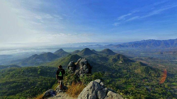 Melihat Pesona Bukit Cumbri yang Tawarkan Keindahan Pemandangan dari Ketinggian