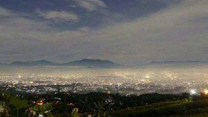 Bukit Moko, Destinasi yang Pas untuk Menikmati Kota Bandung dari Ketinggian Pada Malam Hari