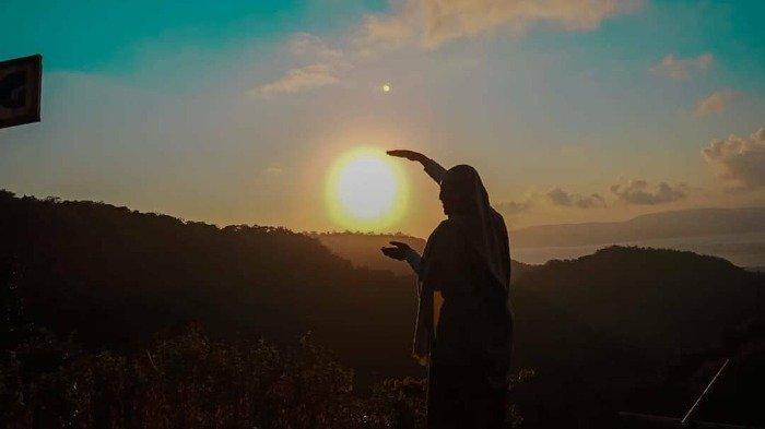 Liburan ke Bukit Sewu Sambang, Bisa Nikmati Indahnya Negeri di Atas Awan Banyuwangi
