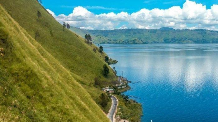 Melihat Indahnya Danau Toba dengan Mendaki Bukit Siadtaratas Silalahi