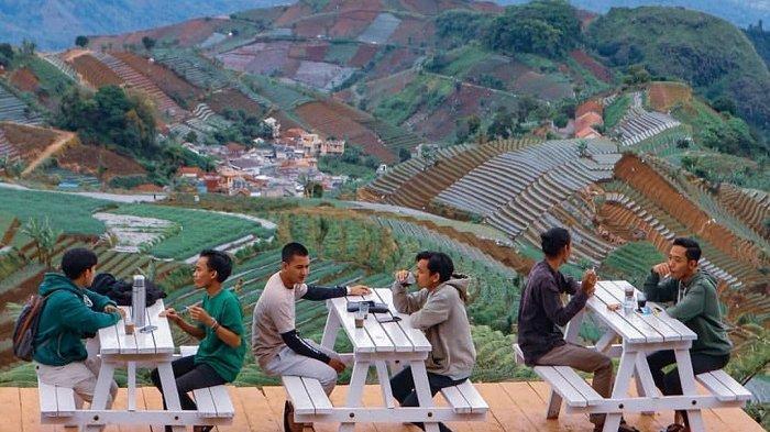 Wisata Bukit Mercury Sayang Kaak di Majalengka, Tempat Nongkrong Asyik di ketinggian 1600 Mdpl