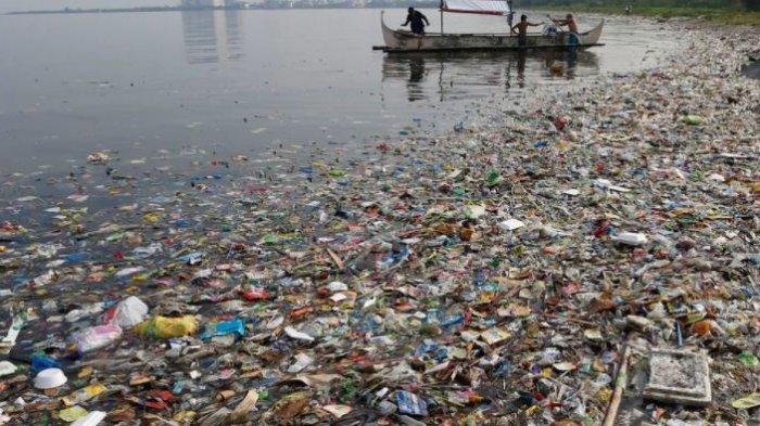 Siswa - siswa Ini Bayar Biaya Sekolah Pakai Sampah Plastik, Intip Kisahnya