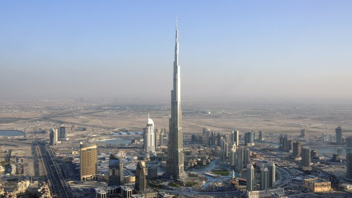 Burj Khalifa, Gedung Setinggi 828 Meter di Dubai yang Punya 3 Zona Waktu Puasa