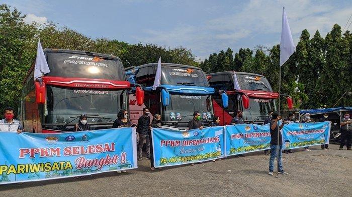 PPKM Diperpanjang, Sopir Bus Pariwisata di Pati Demo Bunyikan Klakson