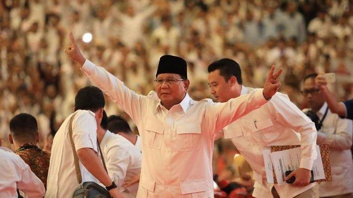 Prabowo Subianto Tertangkap Kamera Makan Cokelatdi Pesawat, 2 Merek Coklat Ini Jadi Kegemarannya