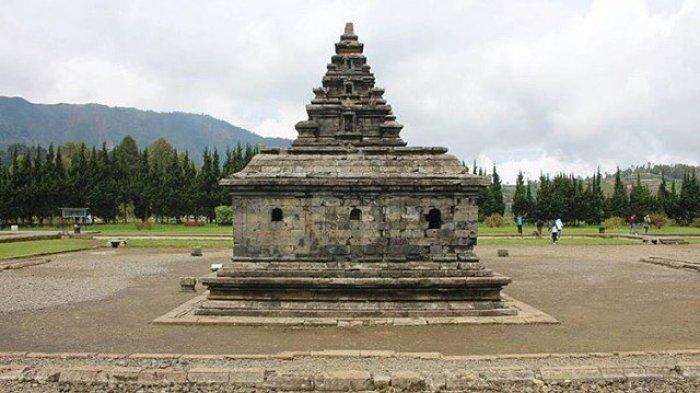 Kompleks Candi Arjuna, Desa Dieng Kulon, Kecamatan Batur, Kabupaten Banjarnegara.