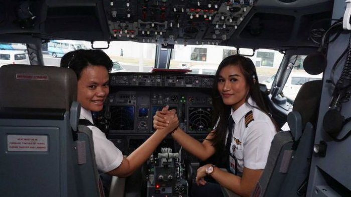 Yuk Kenalan dengan Pilot dan Co-Pilot 'Kartini Flight' Garuda Indonesia