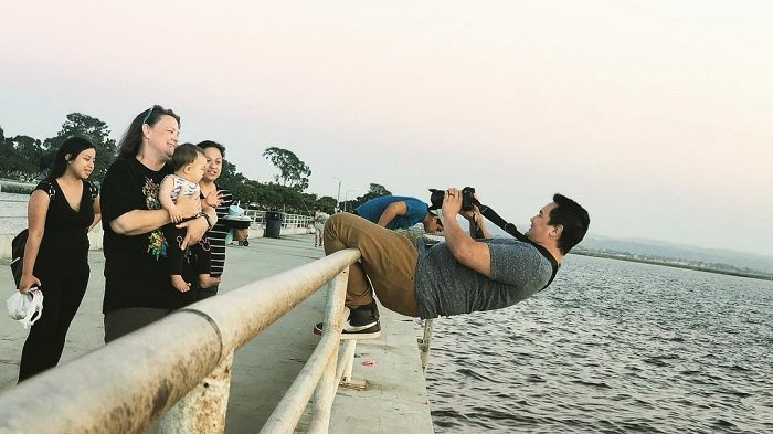 6 'Cara Gila' Fotografer Demi Menangkap Momen Sempurna Melalui Lensa Kameranya
