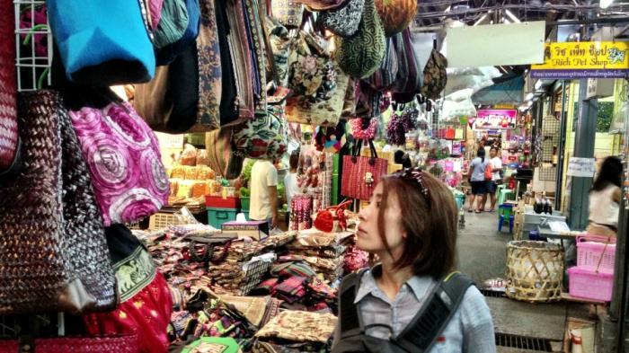 Liburan di Bangkok? Ini 3 Tempat Terbaik untuk Berburu Tas dan Aksesoris buat Oleh-oleh
