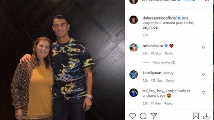 Setelah Bawa Kemenangan untuk Manchester United, Cristiano Ronaldo Traktir Ibunya di Restoran Italia