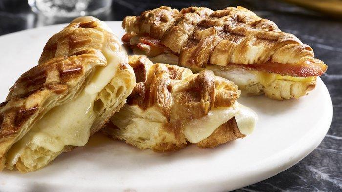 5 Tempat Makan Croffle di Jogja, Camilan Kekinian Perpaduan Croissant dan Waffle