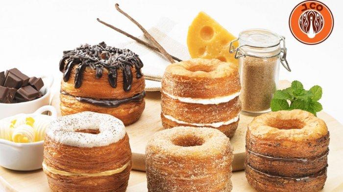 Dilansir dari akun Instagram resmi J.CO Indonesia, @jcoindonesia, menghadirkan promo bagi penggemar donut croissant J.CRONUT.